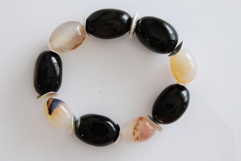 Armband mit Goldobsidian, Achaten und Silber